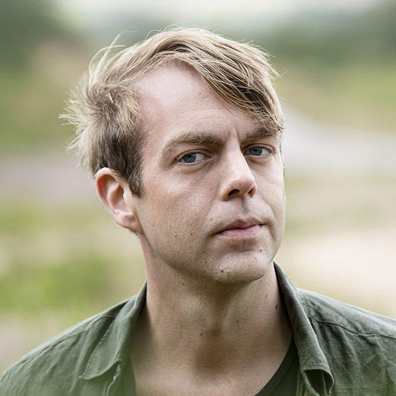 """Christoffer Carlsson: """"Platsen vi kommer ifrån blir för alltid ett slags mysterium"""""""