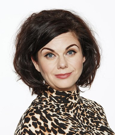 """Feminism is not about burning penises"" – 7 klockrena citat av Caitlin Moran"