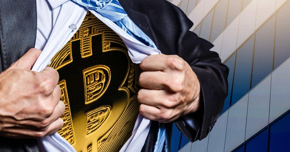 Bitcoinpriset vägrar falla under 30 000 dollar – stark ackumulering fortsätter.