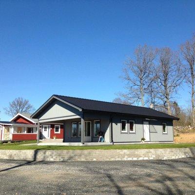 Fritidshus med förlängt tak