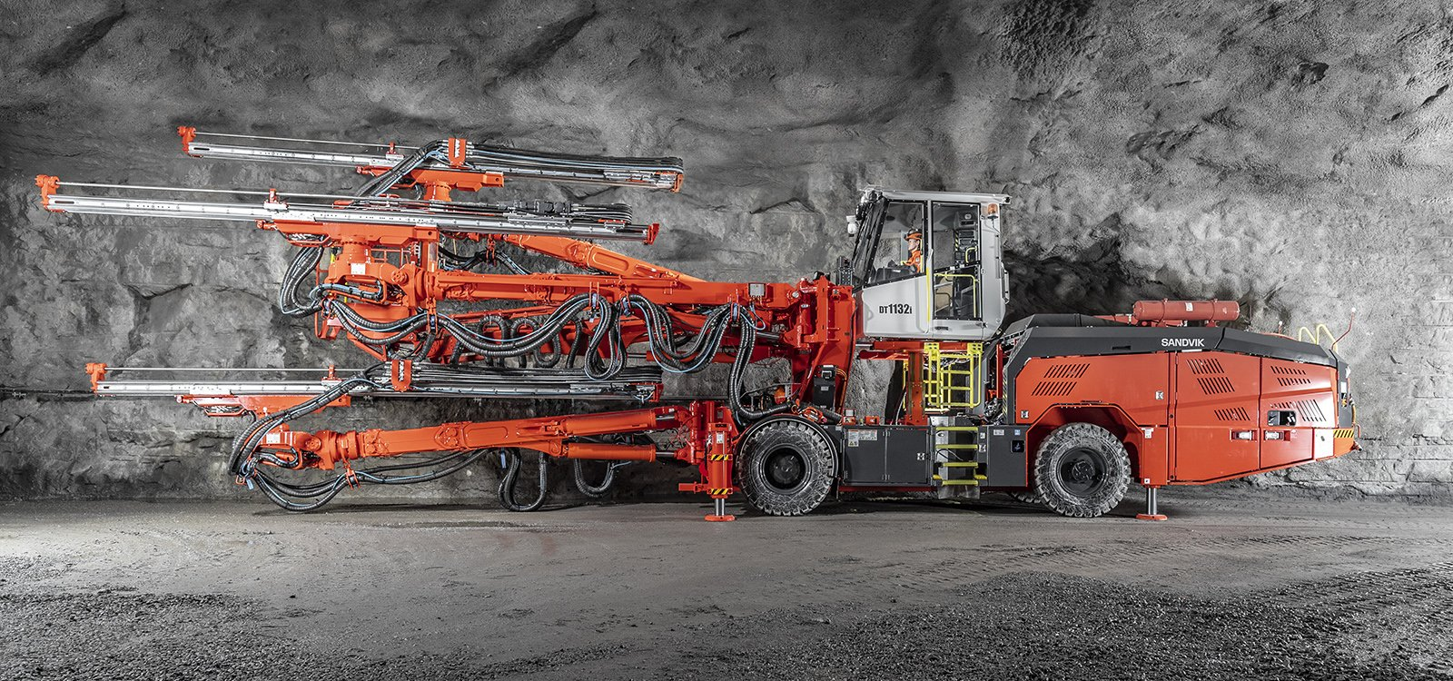 Sandvik DT1132i lends itself to a wide range of tunnelling jobs and other underground applications.