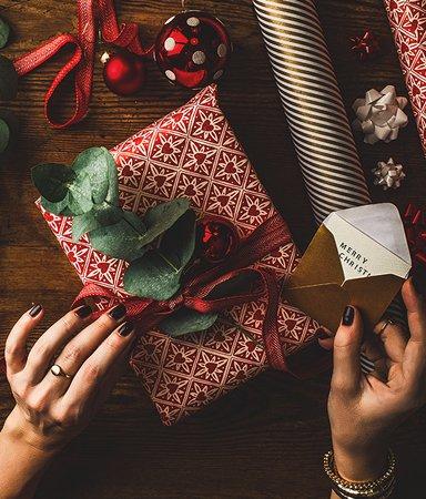 Stora julklappslistan! Vi hjälper dig att hitta rätt bok till rätt person