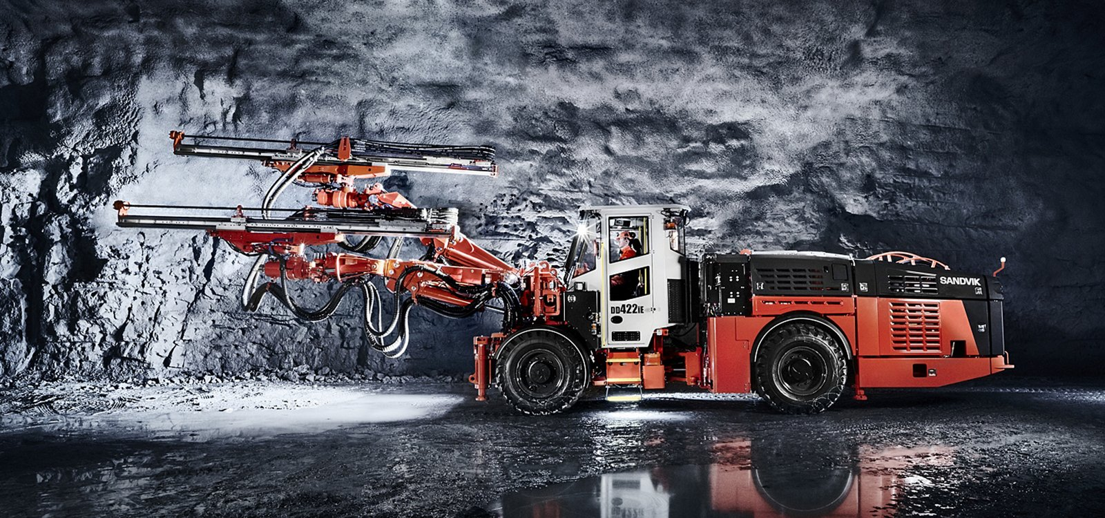 A revolutionary mining jumbo, Sandvik DD422iE offers safe and efficient drift development with zero underground emissions.