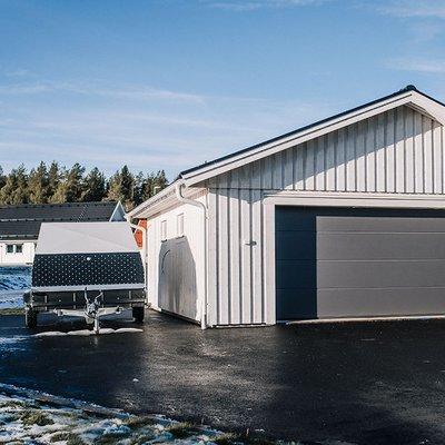 Garage med dubbelport